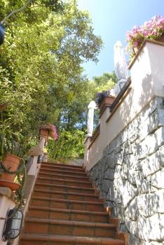 Casa vacanza marciana procchio bilocale for Piani casa accessibili
