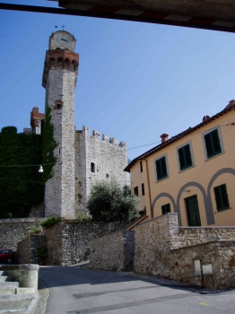 casa podestà  Nozzano Castello