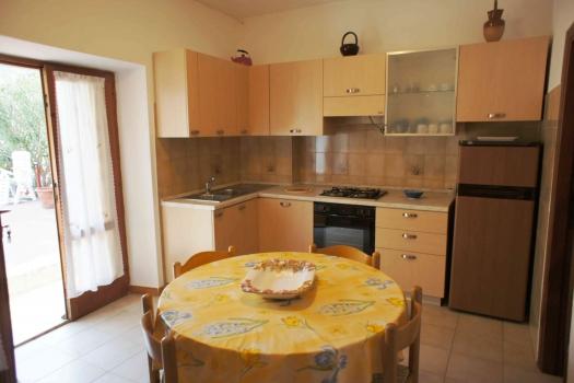 soggiorno cucina con uscita sul terrazzoJPG