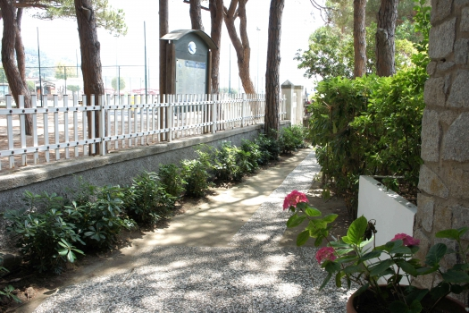 giardino lato mare vista mare