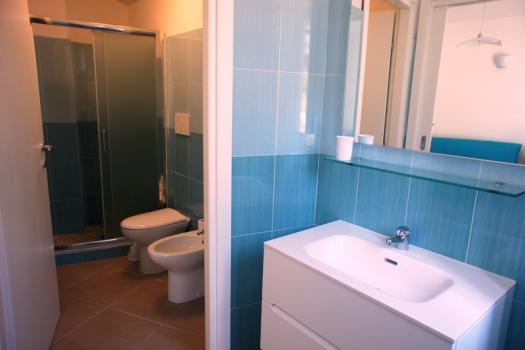 La tua casa sul mare case vacanza la scogliera app n 11 - Chiessi e fedi arredo bagno ...