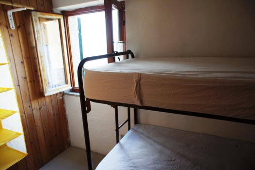 Casa vacanza costa del sole pomonte trilocale for Semplice casa con 3 camere da letto piani kerala