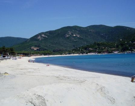 Marina di Campo spiaggia a maggio a-4