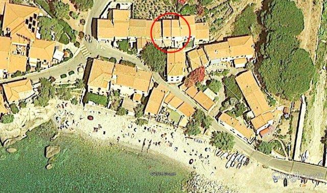 Casa Orti A Pomonte, 30m from the beach, nice little house, sleeps 4. Euro 70 al giorno + final cleaning.