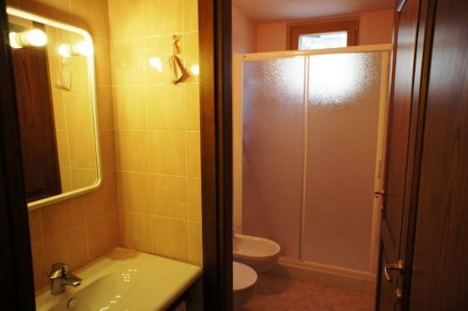 Casa vacanza costa del sole pomonte case singole ville for Chiessi e fedi arredo bagno
