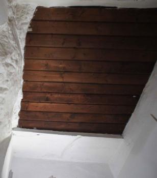 botola sopra cucina accesso soffitta