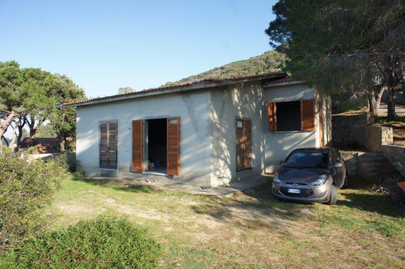 Case in vendita a colle d 39 orano patresi colle d 39 orano for Case in vendita nelle isole greche