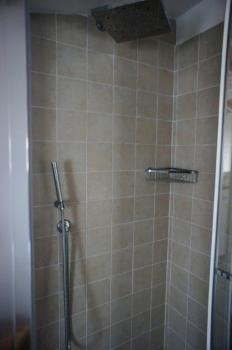 bagno 1° piano doccia