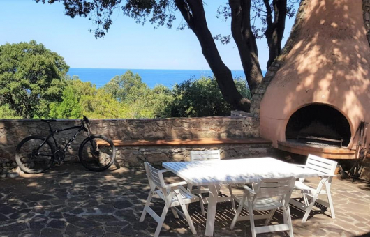 esterno con forno; Sitzplatz mit Ofen