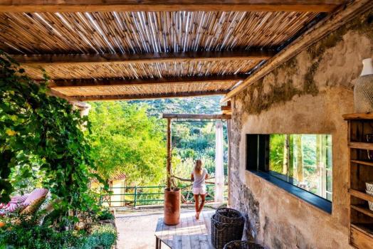 Casa Melagrana parziale Ideale per 4/5 persone con prezzo ridotto per chi sceglie di stare in un ambiente particolare , ma non ha l'esigenza di avere la casa intera.