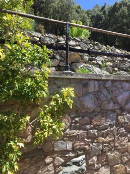 33 vista sui terrazzamenti dalla finestra camera matrimoniale