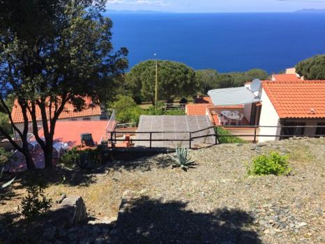8 vista della casa dai terrazzamenti
