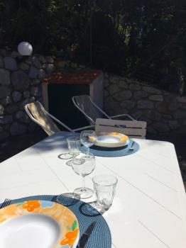 2 tavolo esterno e sdraio