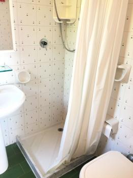 bagno-doccia e wc