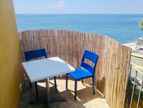 Villa Mare - tavolino esterno-vista